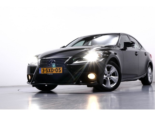 Lexus IS 300h